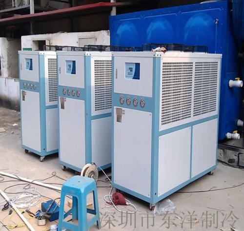 塑胶厂12HP风冷式冷水机