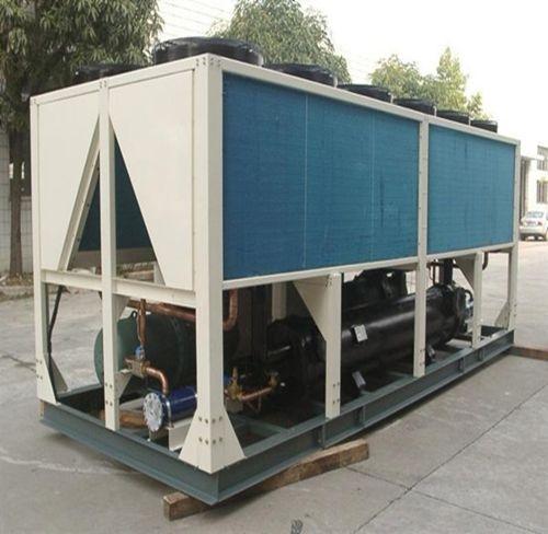120匹风冷螺杆式冷水机